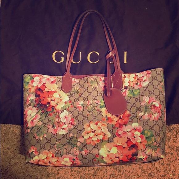 d5f23624b2f5 Gucci Handbags - GG Blooms Medium Reversible Leather Tote Bag